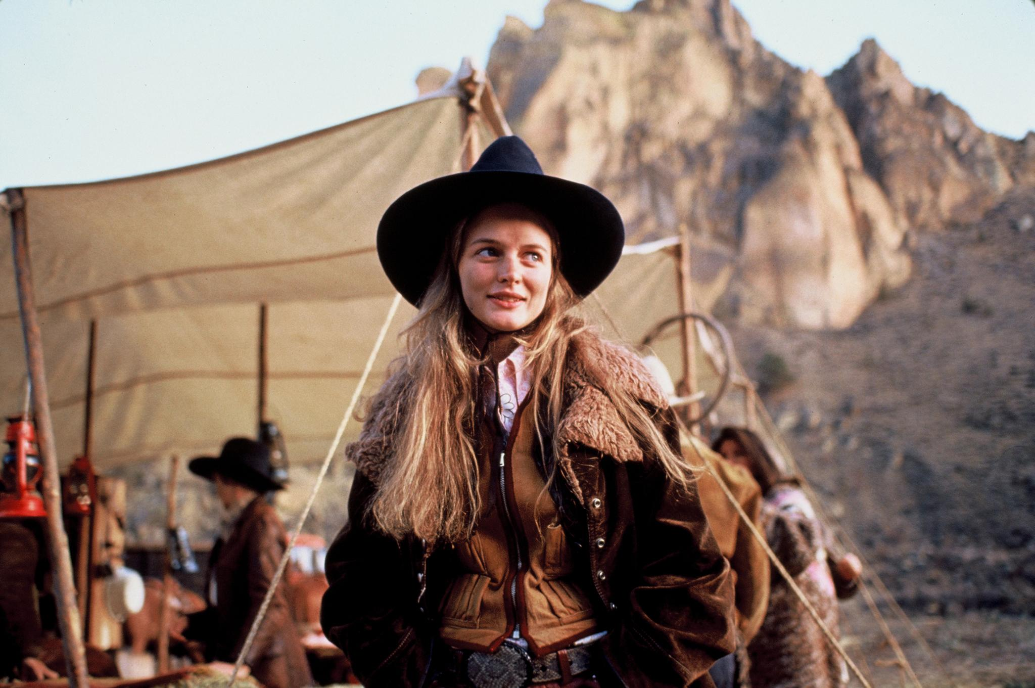 still-of-heather-graham-in-even-cowgirls-get-the-blues-(1993)-large-picture
